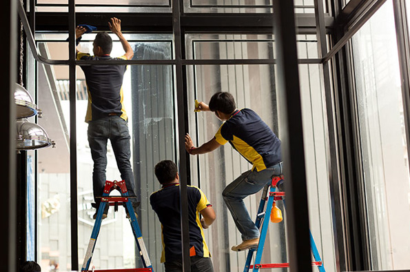 KREMER - Fenster und Fassaden: Profilserienfertigung für Fenster