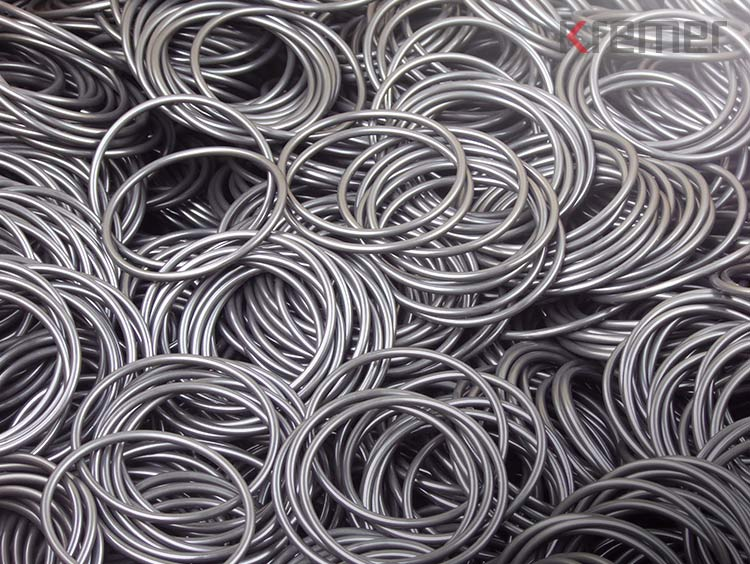 KREMER - Detailaufnahme von O-Ringen aus EPDM