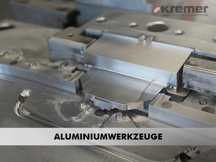 Sie produzieren nur in geringen Stückzahlen? Dann sind Sie bei uns genau richtig. Die Vorteile von serientauglichen Aluminiumwerkzeugen bieten enorme preisliche Vorteile.