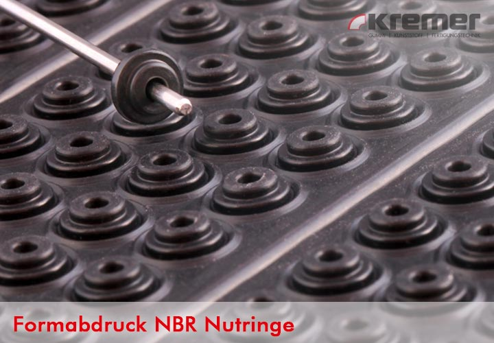 noch nicht entgrateter Formabdruck von  NBR Nutringe
